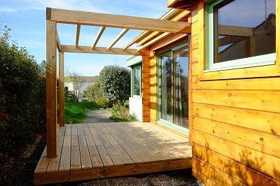 Terrasse-bois-pergola-ecodemeure